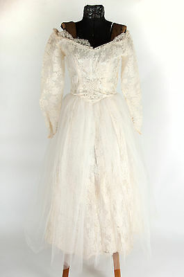 VTG 50s Off white cream Long Sleeve wide neckline Tulle Lace Wedding dress S XS