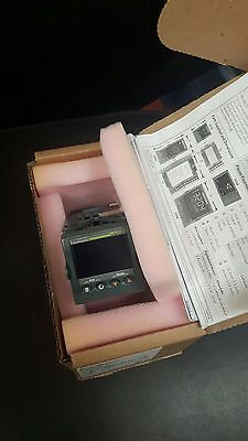 Brand New in box Eurotherm Temperature Control 3216/CC/VL/LRXX/X/XXX/G/ENG