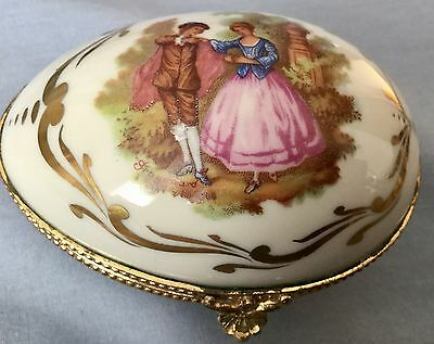 Vintage Hand Painted Limoges Trinket Box * France * Romantic Couple