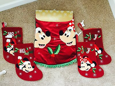 Disney Parks Exclusive Mickey And Minnie Christmas Tree Skirt w/ 4 Stockings NWT