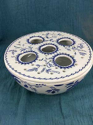 Vintage Metropolitan Museum Of Art Bowl Shaped Blue White Flower Frog Delft