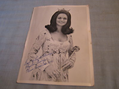 PHYLLIS GEORGE HAND SIGNED PHOTO 1971 Miss America TV Sportscaster 1970 Miss TX