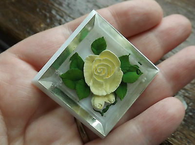 Vintage 1940s/50s Lucite Reverse Carved Brooch With Roses and White Back Panel