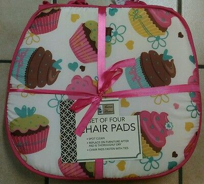 NWT SET OF 4 KITCHEN CHAIR PADS CUSHIONS CUPCAKES HEART FLOWERS PINK WHITE 15x15