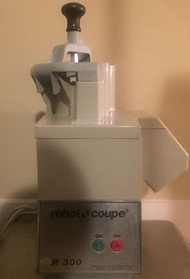 Robot Coupe R 300 Food Processor..... Nice Unit......free Shipping