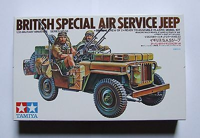 Military 1:35 Scale British Special Air Service Jeep Model & 2 Men Free Reg Post