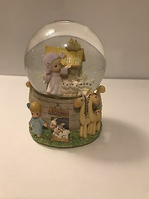 Precious Moments NOAH'S ARK SNOW GLOBE MUSICAL Music Box ENESCO Water Ball