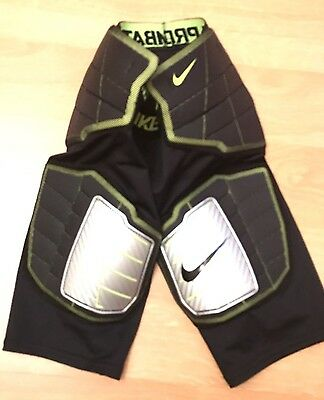 Nike 584387 Pro Combat Hyperstrong Compression Football 3/4 Shorts Pants Size M