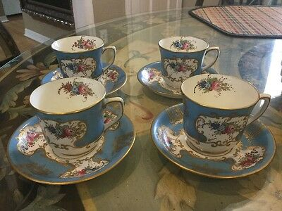 Set of 4 Old Paris French Porcelain Gold trimmed Cup Saucers Flowers Pristine