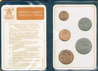1971 Britian's First Decimal Coin Set in a Presentation Wallet with Cards No Tax