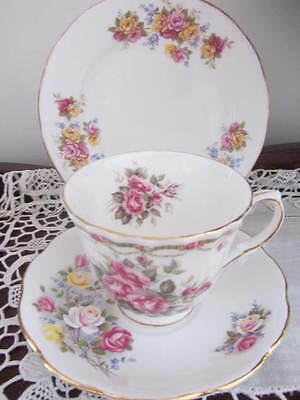 Mixed Vintage - ''roses''  - Cup / Saucer / Plate Trio