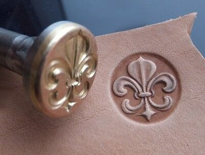 014-17 Fleur de Lis in Circle Leather stamp homemade Saddlery Tool
