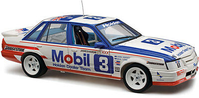 1986 Bathurst 2nd VK Commodore Harvey/Lowe 1:18 Classic Carlectables Cars