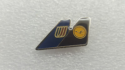 Lufthansa - United  Airlines - Dual Tail Alliance Pin.