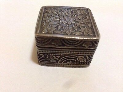Vintage / contemporary solid silver (800 grade) floral pill box / Jewellery Box