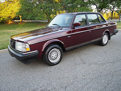 1993 Volvo 240 240 Classic 5-Speed RARE 1993 VOLVO 240 CLASSIC ~ 5 SPEED MANUAL ~ LIMITED EDITION # 1444 of 1600