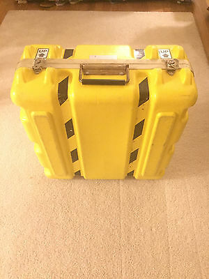 Vtg Parker Plastics Yellow Equipment/shipping Case 20X19X9
