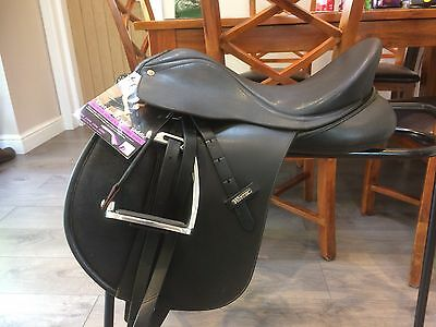"Wintec WIDE Cob Saddle 16"" Cair Black Adjustable Wide To XXXXW"