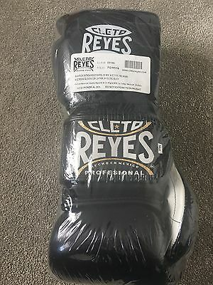 Cleto Reyes Leather 14oz Training Boxing Gloves Hook And Loop Closure - Black