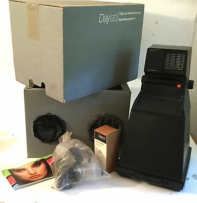 POLAROID DAYLAB 200 35mm enlarger/processor & changing box