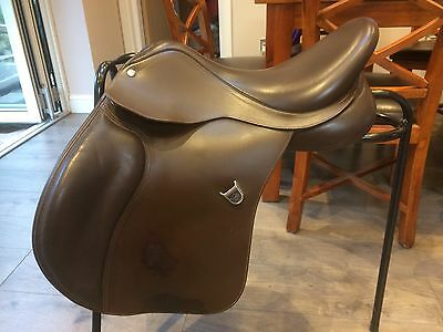 Bates AP Saddle, Latest Model CAIR Leather, Brown 16.5""