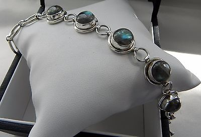 Lovely iridescent blue! 19g sterling silver 925 labradorite toggle bracelet