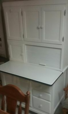 Antique White Hoosier Cabinet With Flour Sifter