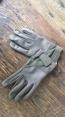 Ariat Tek Grip Gloves Fawn size 8.5 only Brand New. Sale Price and Free Post!