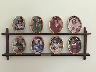 Gone With The Wind CAMEO MEMORIES  Collection-Set of 8 Plates + display rack