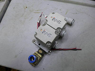 SMC PNUEMATIC - 2 port Solenoid valves and Manifold - 24DC Coil - VQ31M1-5GZ-C10