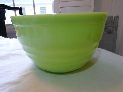 """Jeannette Jadite Green Horizontal Ribbed Large Mixing Bowl 9 5/8"""" w 5 5/8"""" h"""