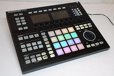 Native Instruments NI Maschine Studio Controller Black - No software