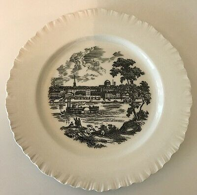 Vintage Wedgwood St. Louis Riverfront Bicentennial Collector Plate