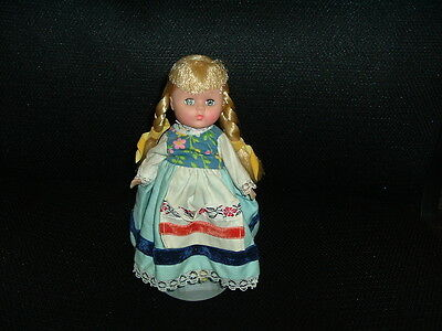 """1972  8""""  Vouge Girl Doll International Far Away Land HOLLAND #134 with Stand"""