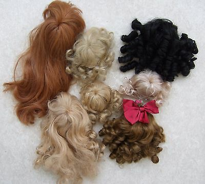 Vintage Dolls Wigs x 7, different styles, colours & sizes, all in used condition