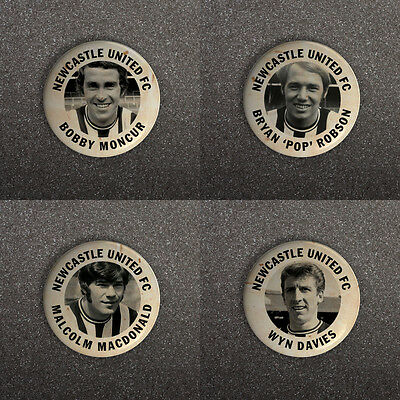 NEWCASTLE UNITED FC 60s RETRO STYLE BUTTON PIN BADGES MONCUR DAVIES ROBSON ETC