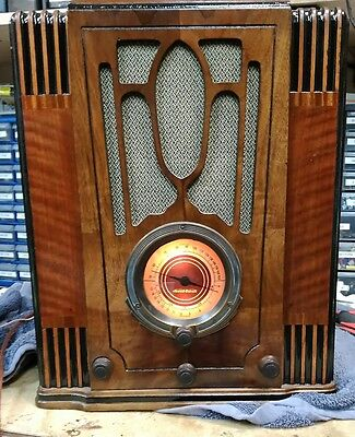 Stewart Warner Tombstone radio works beautiful