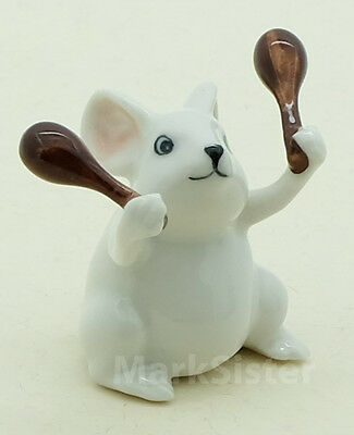 Figurine Animal Ceramic Statue White Rat Mouse Mice Playing Maracas Musical