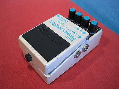 Boss DD-2 DD Vintage Delay Guitar Effect Pedal Made in Japan 1984 Used F/S