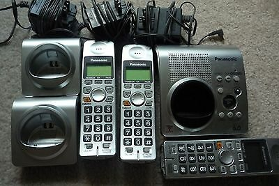 Panasonic KX-TG1032C cordless phone answering machine DECT 6.0 3 handsets