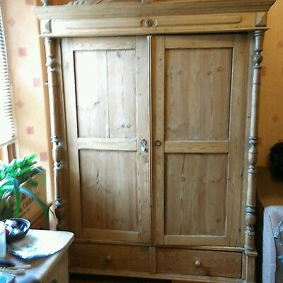 Large Antique Pine Knockdown Wardrobe - Late 19th Century