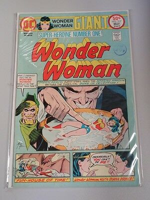 Wonder Woman #217 Dc Comics Giant April 1975