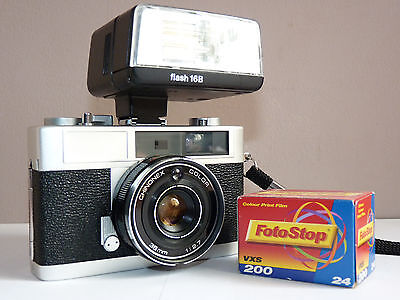 Chinon 35Ee Rangefinder Camera With Flash, Working, Nice Condition! Free Film!