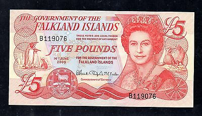 ~ THE FALKLAND ISLANDS  £5 Five Pounds Banknote - 14th June 2005 (P17) ~