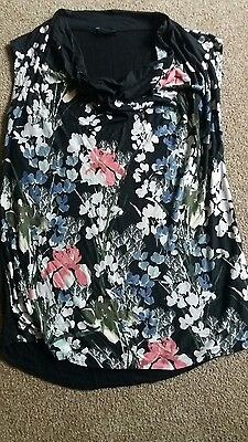 ladies floral top with scoop neck size 6