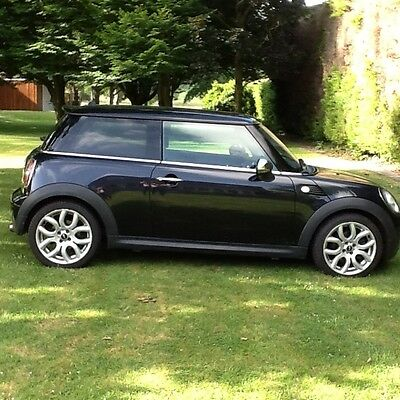 Mini cooper 1.6 low miles black 2007