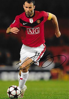 """Ryan Giggs (Manchester Utd) hand signed 6""""x8"""" photo + proof of signing & COA"""