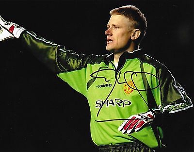 """Peter Schmeichel (Manchester Utd) hand signed 6""""x8"""" photo+proof of signing & COA"""
