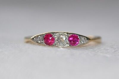 Art Deco 18ct Gold Ruby & Diamond Ring - Size K 1/2 - Hallmarked