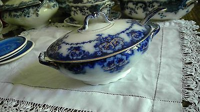 Alfred Meakin Normandy pattern  Beautiful small blue and white tureen with ladle